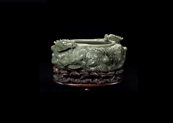 Jade water trough on wooden stand, Qing Dynasty, 1769 CE (1960.4105 a-b) : DM