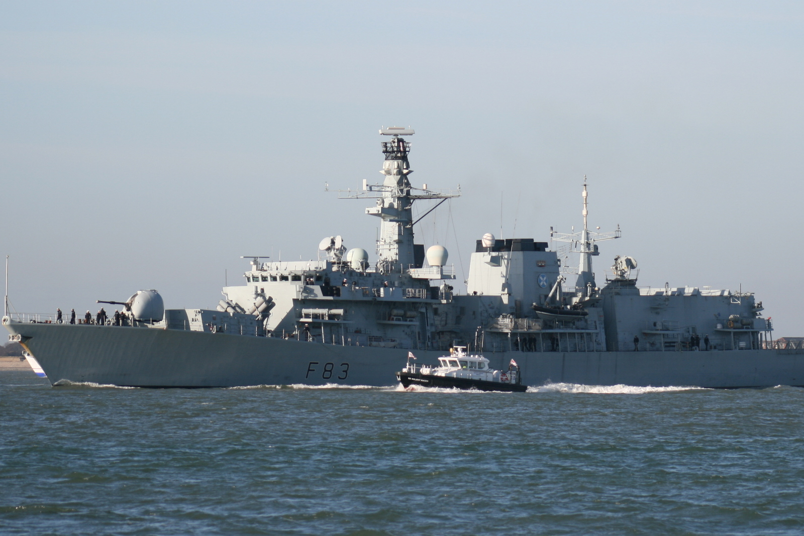 HMS St Albans honours Arctic heroes 70 years on