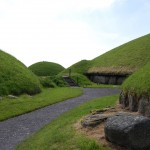 Irish Commemorate 50 Years Of Excavations At The Great Passage Tomb At Knowth