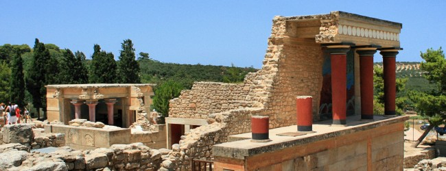 Archaeological examination of palatial Crete