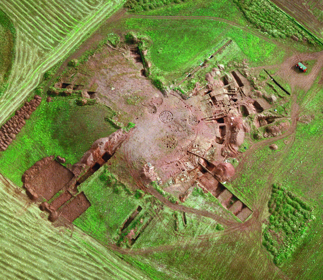 An-aerial-photograph-of-the-excavation-at-Broxmouth-taken-before-the-site-was-covered-overl