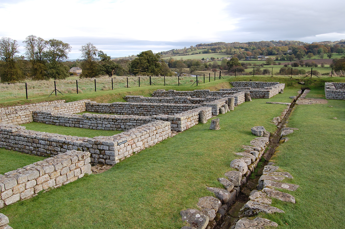 Chesters_Roman_fort_barracks