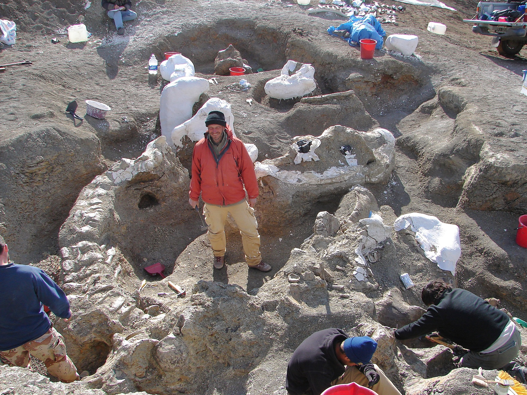 Kenneth Lacovara surrounded by the skeleton of Dreadnoughtus schrani. Kenneth Lacovara