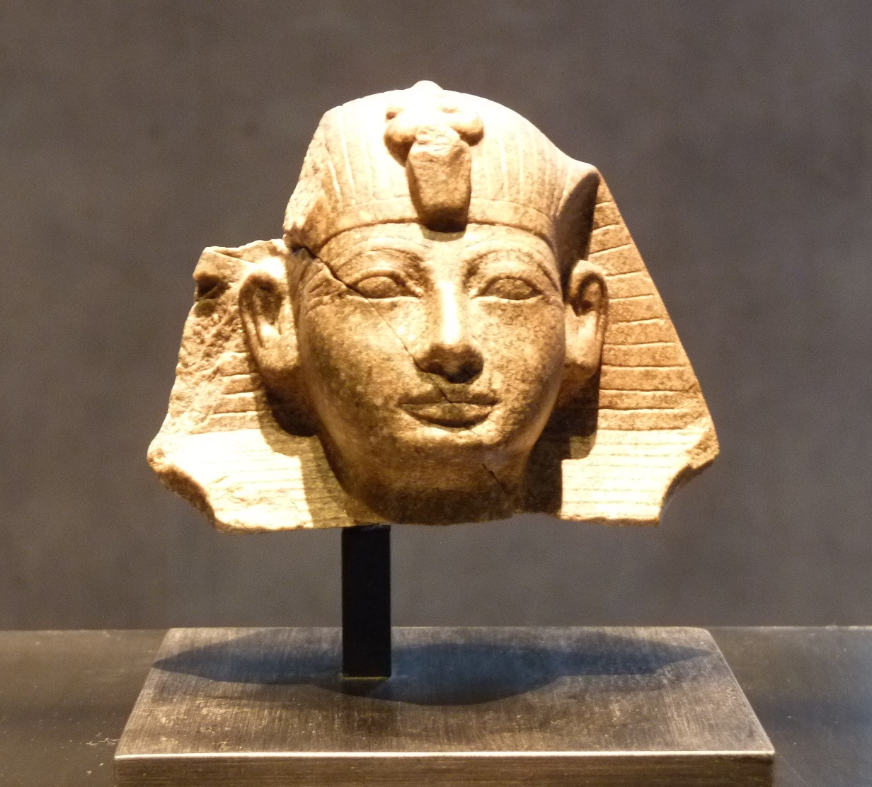 Amenhotep_II_head