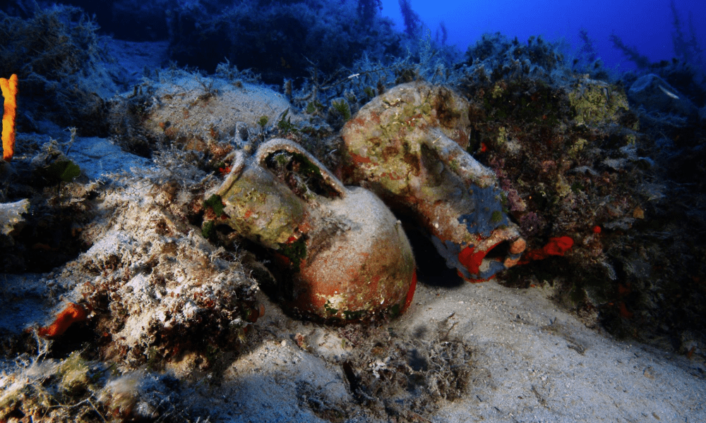 a wooden shipwreck on the seabed. Credit: Vasilis Mentogianis