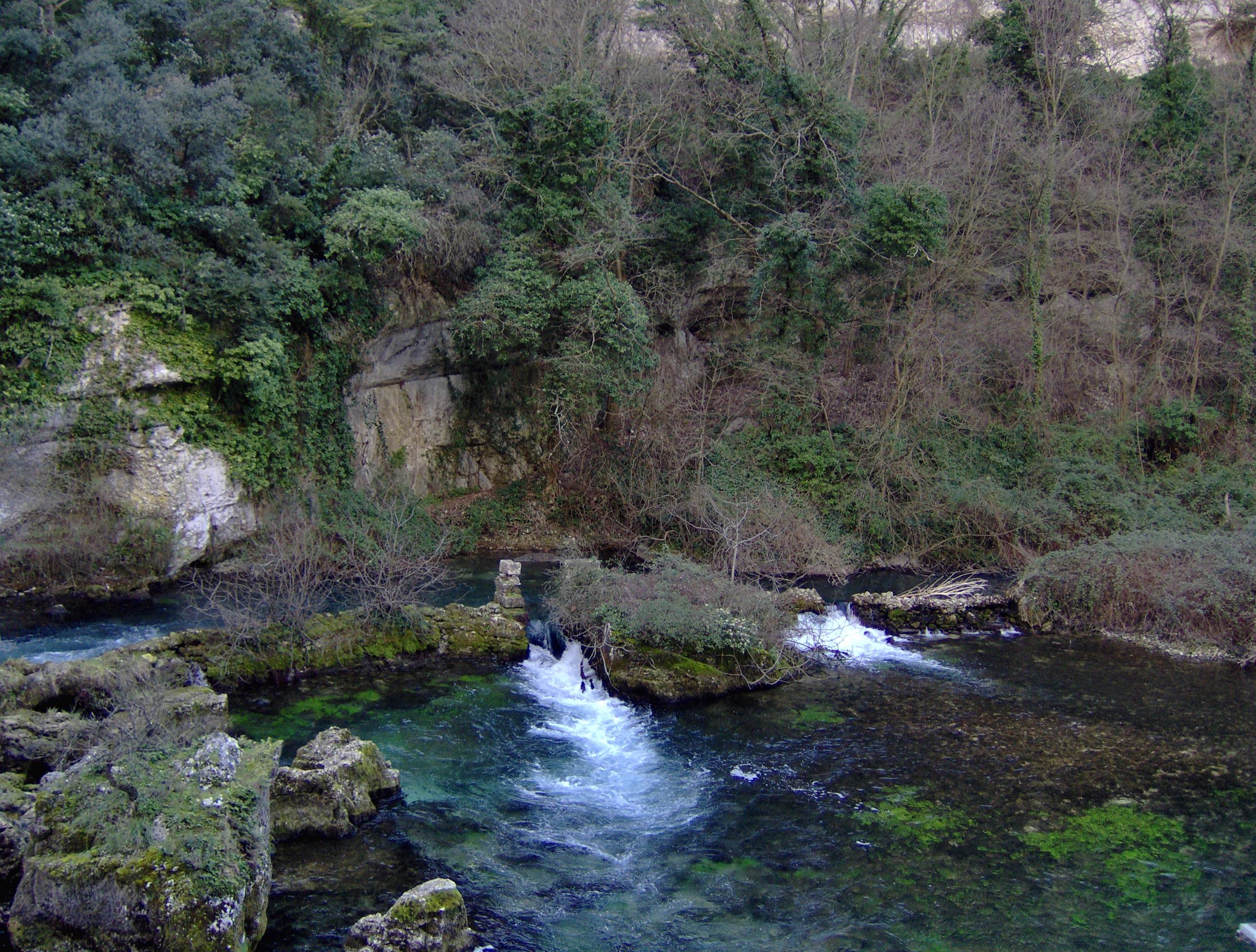 Spring (Hydrology): WikiPedia