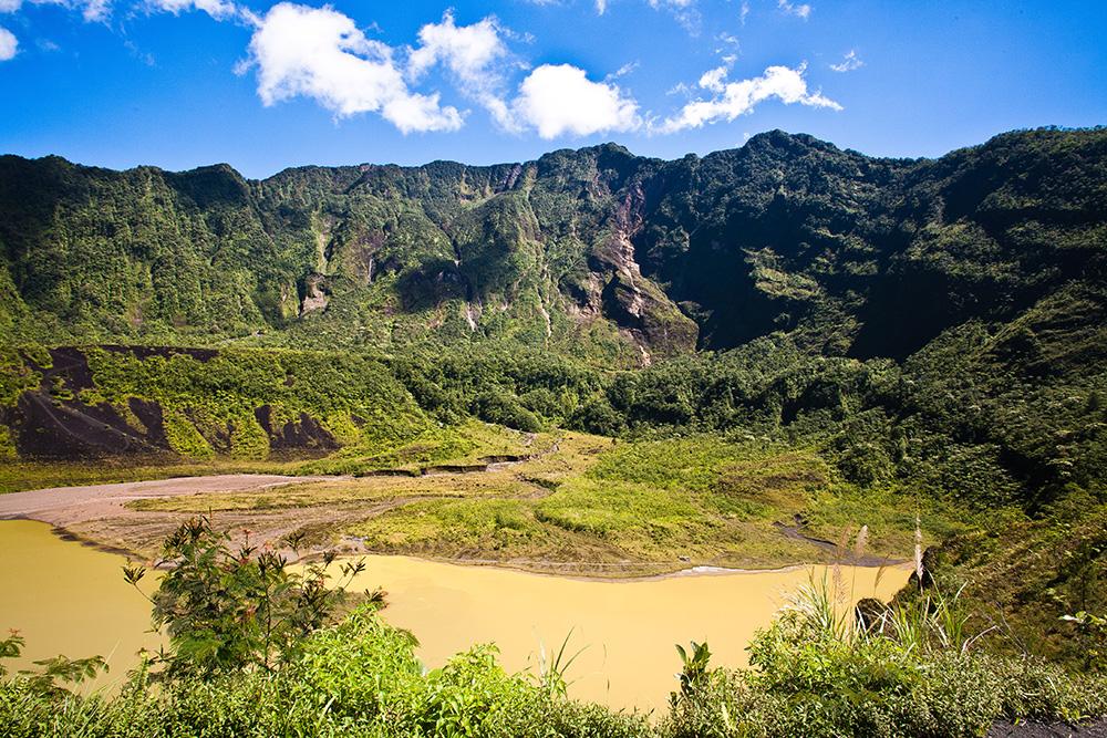 Galunggung Crater: Wikimedia