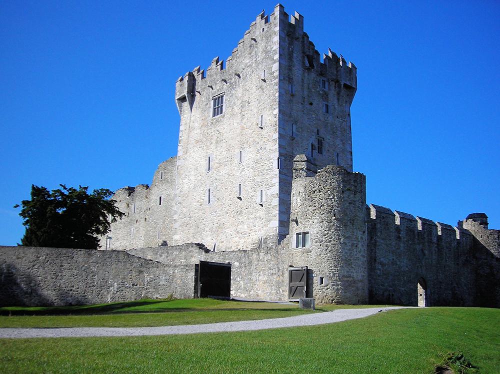 Ross Castle: Wikimedia