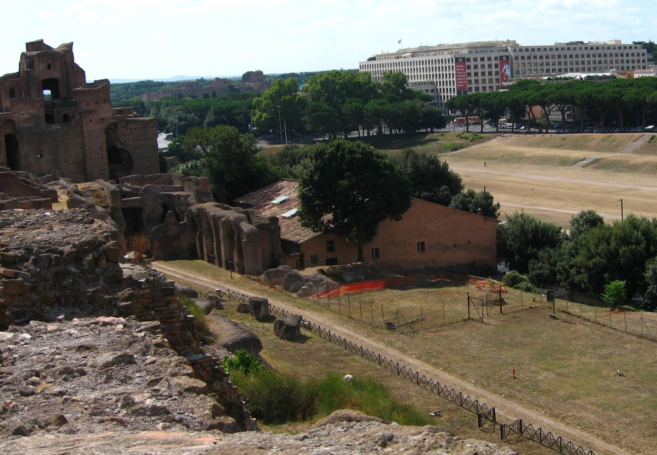 Circus Maximus : WikiPedia