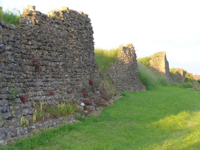 Caerwent, the south walls: Wikimedia