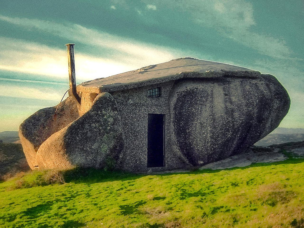 Stone house in Nas montanhas de Fafe: Wikimedia