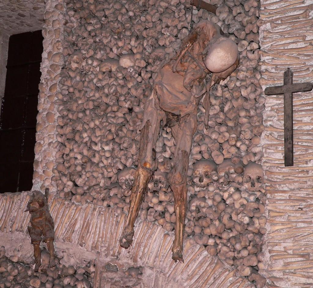 Capela dos Ossos : WikiPedia