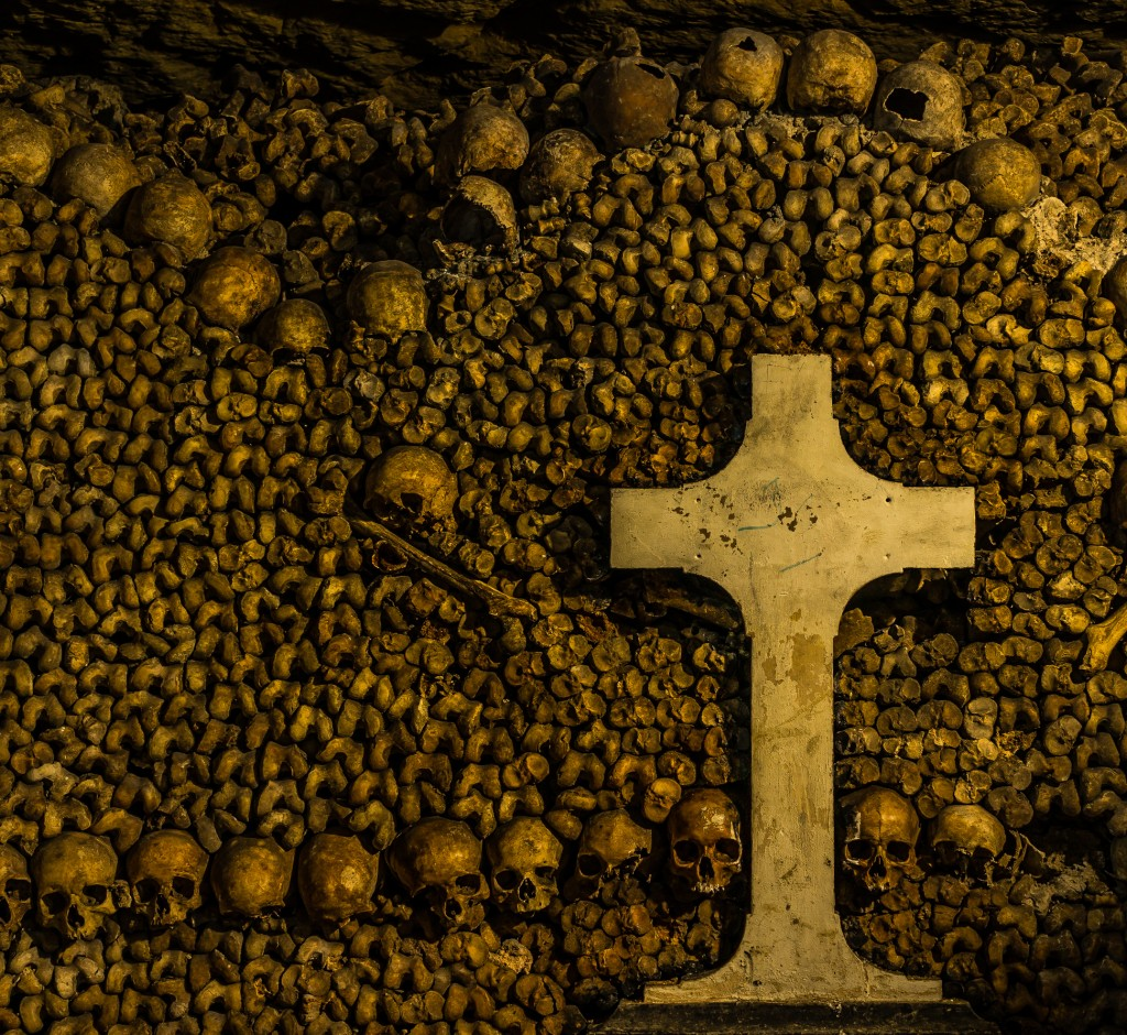 Paris Catacombs : WikiPedia