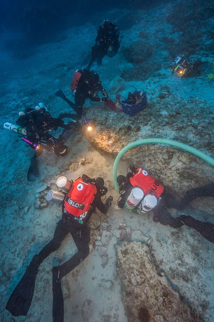 The 2015 expedition marked the first time archaeologists were able to join specialist divers in descending to the 55-meter (180 feet) deep site. The ten-man dive team used advanced technical diving equipment including closed-circuit rebreathers and trimix breathing gases, performing 61 dives in 10 days of diving on the wreck. (Brett Seymour, EUA/ARGO )