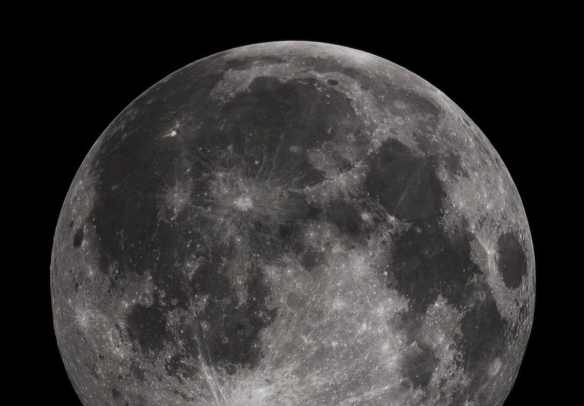 supernova iron found on the moon