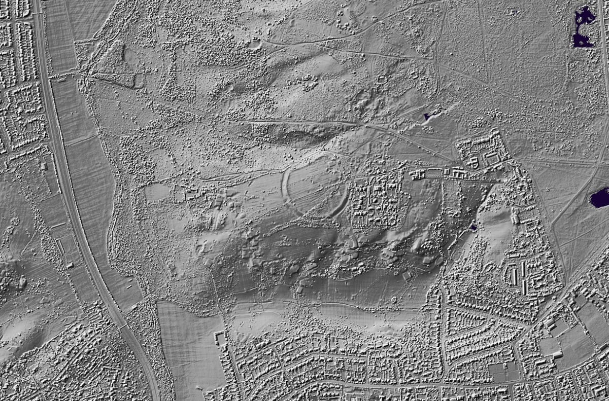 Wimbledon Iron Age Hill Fort (Caesar's Camp) - Credit : https://houseprices.io/lab/lidar/map