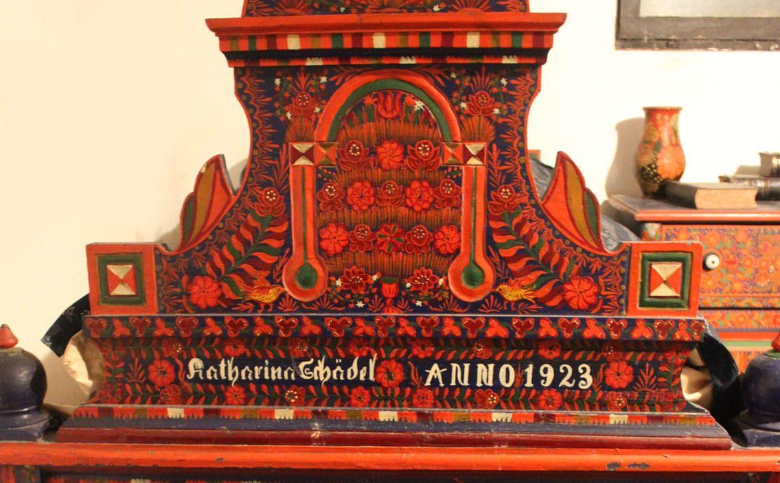 Traditional Harta furniture - Credit & thanks to Kuruc János