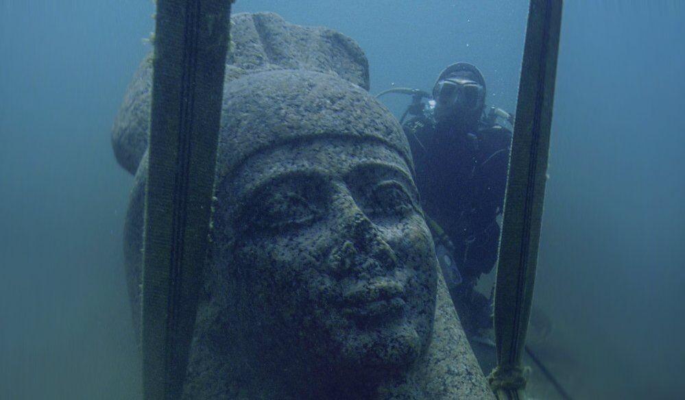 Colossal statue of god Hapy, Thonis-Heracleion, Aboukir Bay, Egypt -  Photo: Christoph Gerigk