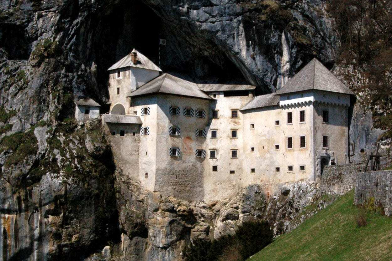 Predjama – The Castle in a Cave - HeritageDaily - Archaeology News